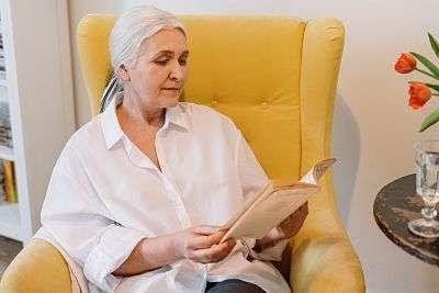 Older Mom Reads